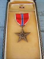 Vintage US Military Bronze Star Medal and Pin in Original Case