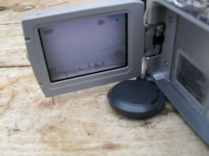 JVC digital video camera GR-D240EK  miniDV with charger + tapes