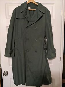 Men's Green Military Trench Coat Size 42R