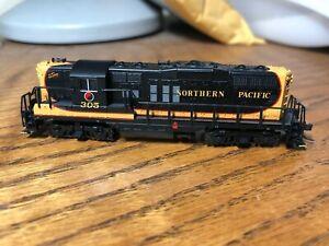 N Scale Atlas GP9 Northern Pacific #305 Locomotive w/ Decoder