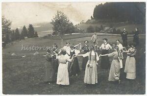 Junge Frauen beim Tanz in der Natur 1915 - Kleider Zöpfe - Altes Foto 1910er
