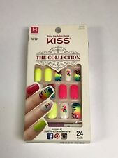 KISS THE COLLECTION NAILS MEDIUM LENGTH GLUE ON NAIL KIT  62272 SSC03 -1584