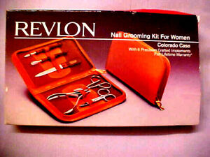 Vintage Revlon Nail Grooming Kit for Women #6700-40 MIB