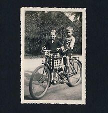 Los niños m bicicleta/Children W Bicycle * vintage photo 1932