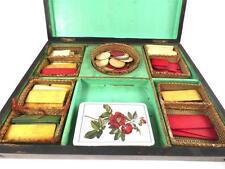 Antico Francese scatola in legno con Token di gioco d'azzardo raccordi originali