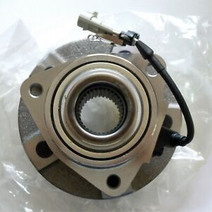 TRQ Front Wheel Hub & Bearing With ABS Left or Right NEW For 2003 Saturn Vue