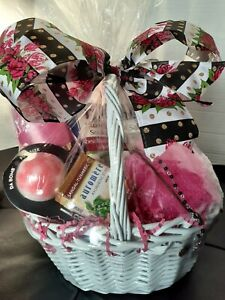 Mothers Day Gift Basket body wash/costume jewelry/shimmer mist greeting card