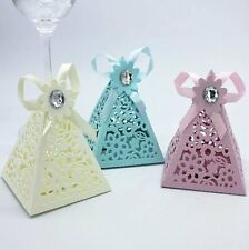 Hollow Triangle Wedding Favors Candy Boxes Baby Shower Gift Box Ribbon Crystal