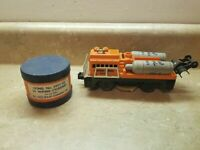 LIONEL POSTWAR 3927 TRACK CLEANING CAR WITH LIONEL CLEANING WIPES (23)
