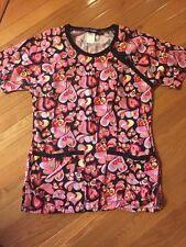 Womens My Dimensions Scrub Top Size XS, Front Pockets, Hearts Pink And Red