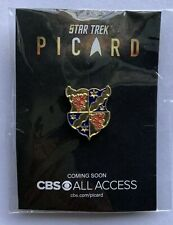 2019 SDCC NYCC COMIC CON EXCLUSIVE CBS STAR TREK PICARD FAMILY CREST PIN ON CARD