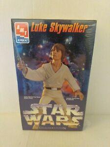 1995 AMT/ERTL Star Wars Luke Skywalker Collector Edition Model  W/Lightsaber