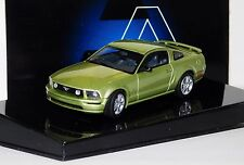 FORD MUSTANG GT 2005 LEGENT LIME  AUTOART 52761 1:43
