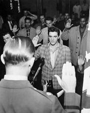 B & W Poster Elvis Presley che unisce l'esercito Art Print