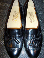 SALVATORE FERRAGAMMO black leather wing tip mocassin loafer 9D Italy pristine