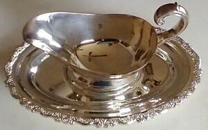 ONEIDA Silverplate - Gravy Boat & Tray - DU MAURIER pattern - nice, gently used