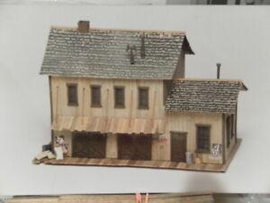 HO MAINLINE & SIDING SUPPLY HOUSE MS 005 KIT