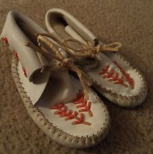 Vintage Leather Guilmox Baby Toddler Moccasins Beaded White Native