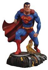 "2018 DIAMOND SELECT TOYS DC GALLERY COMICS SUPERMAN 10"" PVC STATUE NEW"