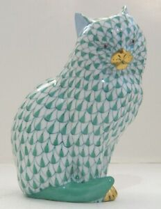 Cat - Herend Animal Figurine - Hand Painted  Pattern: Fishnet
