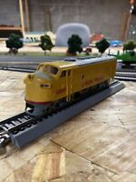 bachmann ho scale union pacific Diesel With Working Light And Kadee Coupler