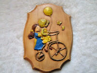 VINTAGE  CHALKWARE WALL PLAQUE 3D ADORABLE GIRLS ON BIKE& BALLOON HOLLY HOBBIE