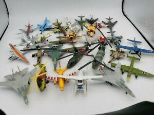 LOT of  31 Vintage Diecast Plastic Airplanes Helicopters Matchbox Maisto