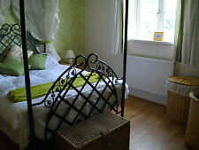 Norfolk Holiday cottage, sleeps 10, 4 bedrooms, 2 bathrooms wifi, dogs welcome