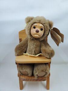 """RAIKES BEARS """"LISA MARIE WITH HIGH CHAIR"""" Nursery Miniatures L71"""