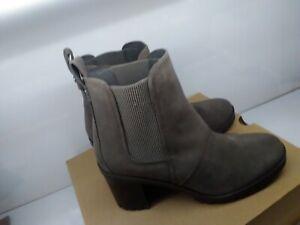 NEW UGG Hazel Waterproof Block Heel Bootie MOLE LUG SOLE Size 9.5