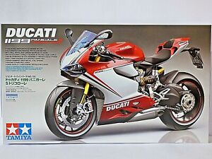 Tamiya Ducati 1199 Panigale S Tricolore Model Kit