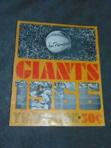 ORIGINAL 1966 SAN FRANCISCO GIANTS YEARBOOK; WILLIE MAYS, McCOVEY, JUAN MARICHAL