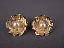 Gold tone faux pearl bead flower floral stud post earrings hibiscus plumeria