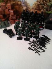 """TRU Excl: 2005 Infantry Division Set : (10) Infantry Troopers aka """"Green Shirts"""""""