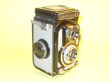 Yashica 44A - vintage TLR in extremely good cosmetic condition...