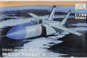 1:144 Mini Plane Hobby Aircraft Fighter Models Assemble Kit Toy MIG-25P FOXBAT A