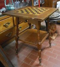 Tavolino con scacchiera intarsiata. Inghilterra XX sec. H. 71x60x60 Table ^