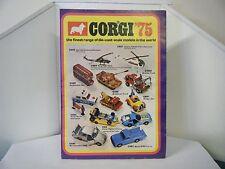 """Catálogo Corgi:"""" 1975 Estados Unidos 8 página """"catálogo extraible"""