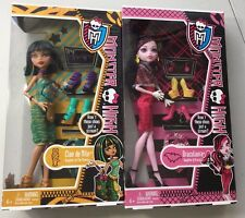 """I HEART SHOES"" LOT of 2 Monster High Dolls Cleo de Nile and Draculaura  BNIB"