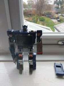 1984 original genuine transformers G1 soundwave with accessories