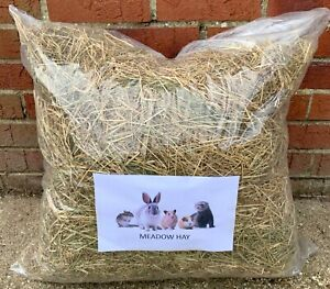 2 KG BAGS OF  2020 SWEET MEADOW HAY PETS SM ANIMALS  RABBITS ETC  INC P&P