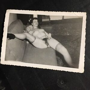 Vtg Original 50's Bettie Page Snapshot Risque Nylons Sofa Home Kodak Velox Photo