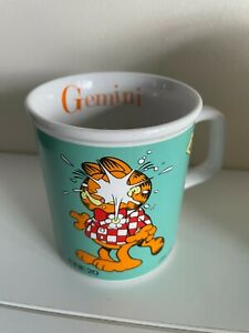Vintage Garfield Mug - 1978 - Star Sign Gemini by Jim Davis