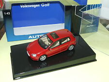 VW GOLF 5 V Bordeaux 5 portes 2003 AUTOART 1/43