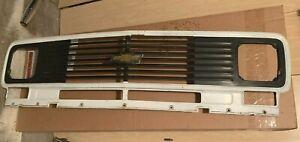 Vintage  1971-1977 Chevy Van g10 g20 g30 grille Metal OEM GM