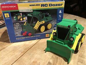ROKENBOK Wireless RC Dozer Classic Green Loader Bulldozer Vehicle 04271