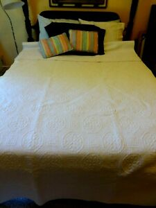 """VINTAGE COTTON QUILTED BEDSPREAD TWIN SIZE EXTRA LONG 62"""" X 112"""""""
