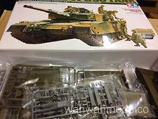 Tamiya 1/35 Type 90 Tank W/ Ammo Loading Crew Set 35260