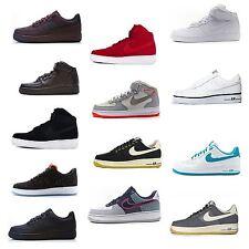 Nike Herrenschuhe aus Wildleder