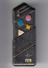RARE PINS PIN'S .. TV RADIO PRESSE FR3 ANTENNE 2 JEU QUIZAKO TELECOMMANDE 3D ~DC